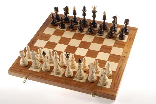 C119F σκακι